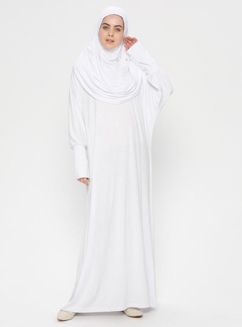 Hal-i Niyaz Beyaz Tek Parça Namaz Elbisesi