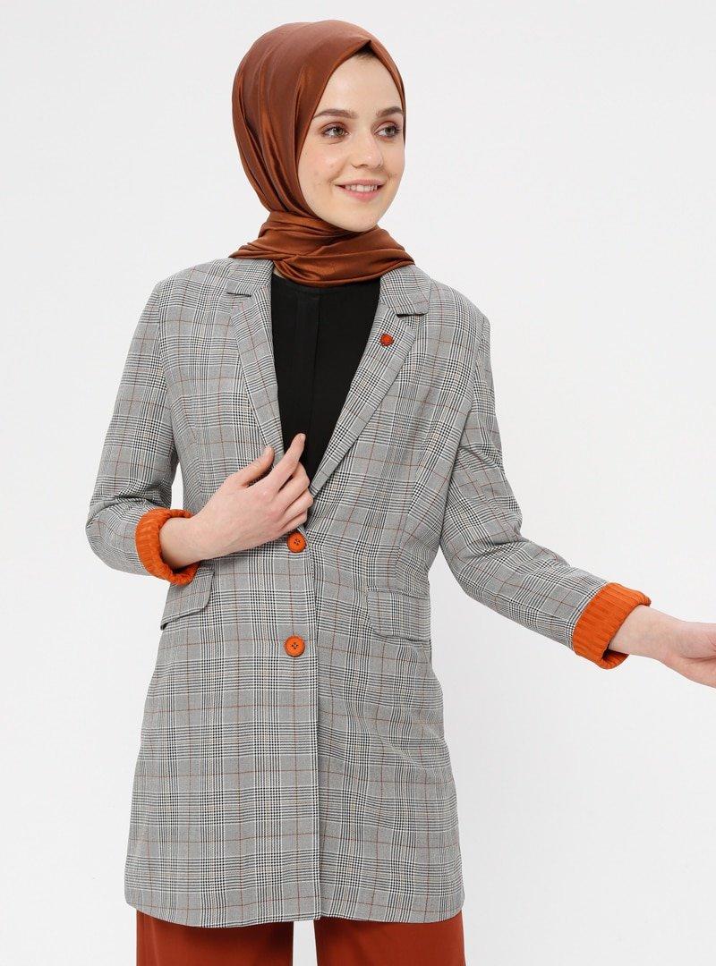 Nihan Safran Ekose Desenli Ceket