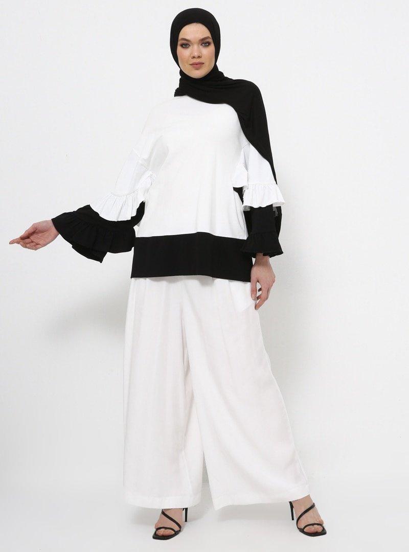 Rabia Z X Modanisa Ekru Siyah Doğal Kumaşlı Fırfır Detaylı Tunik