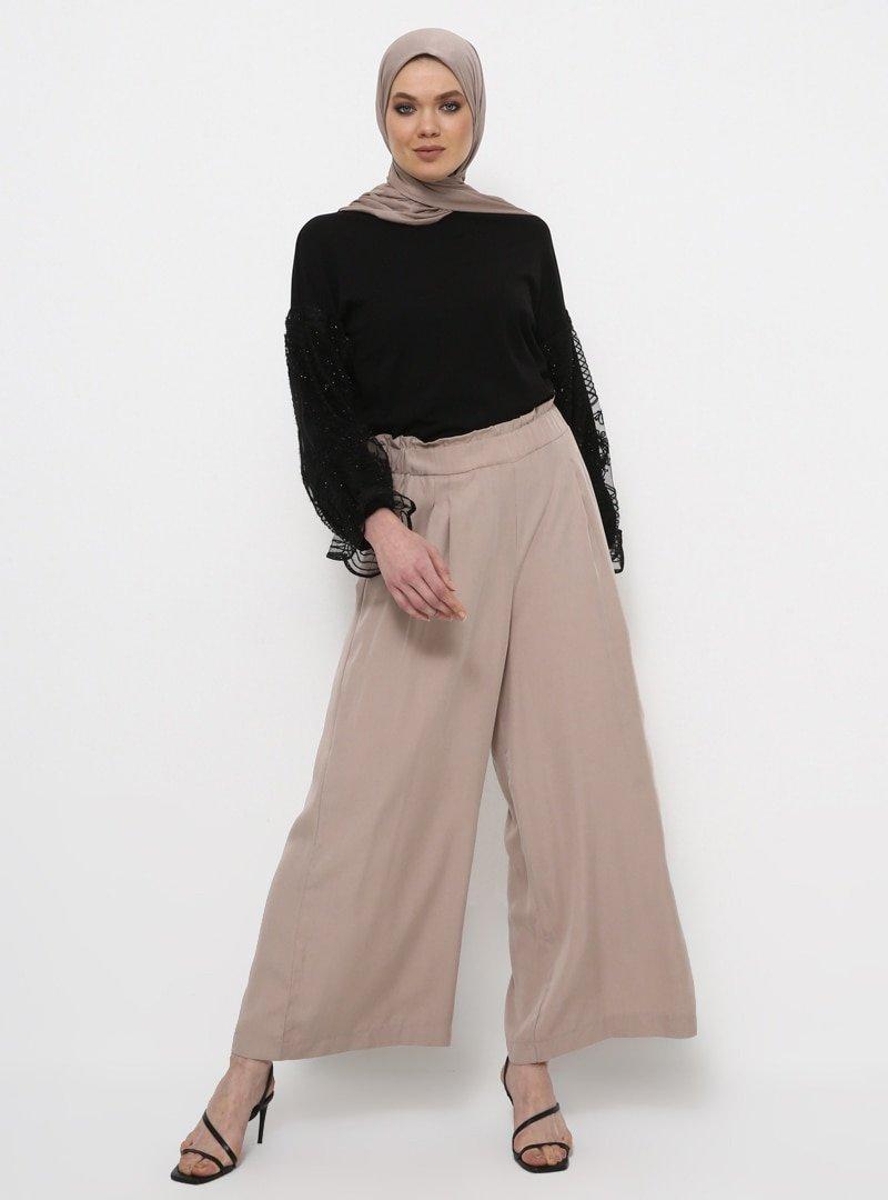 Rabia Z X Modanisa Siyah Doğal Kumaşlı Işıltılı Kol Detaylı Tunik
