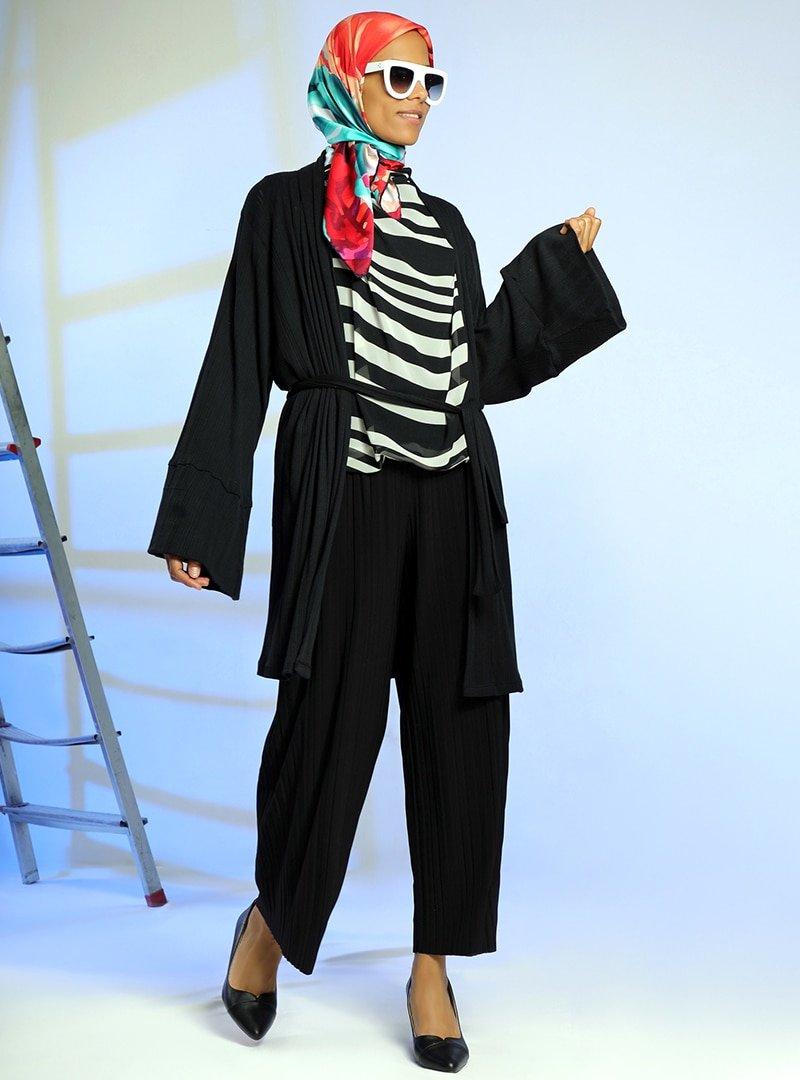 Meryem Acar Siyah Kuşaklı Kimono