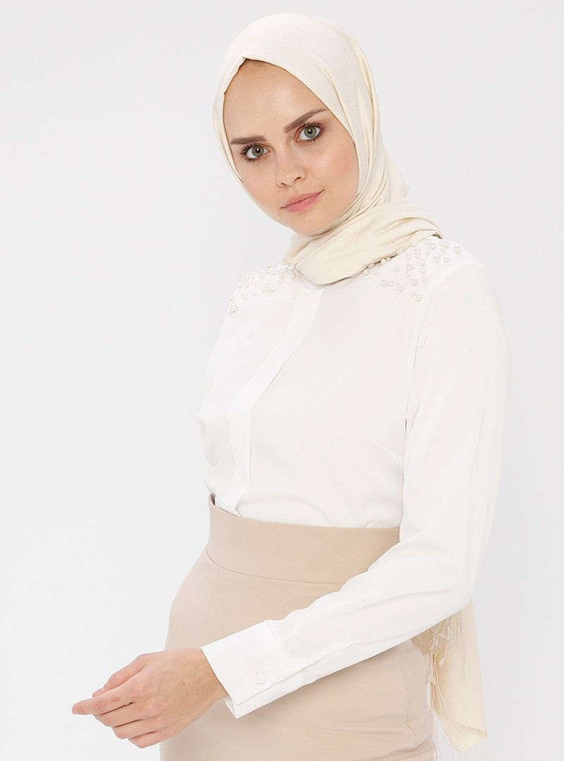 Picolina Beyaz İnci Detaylı Bluz