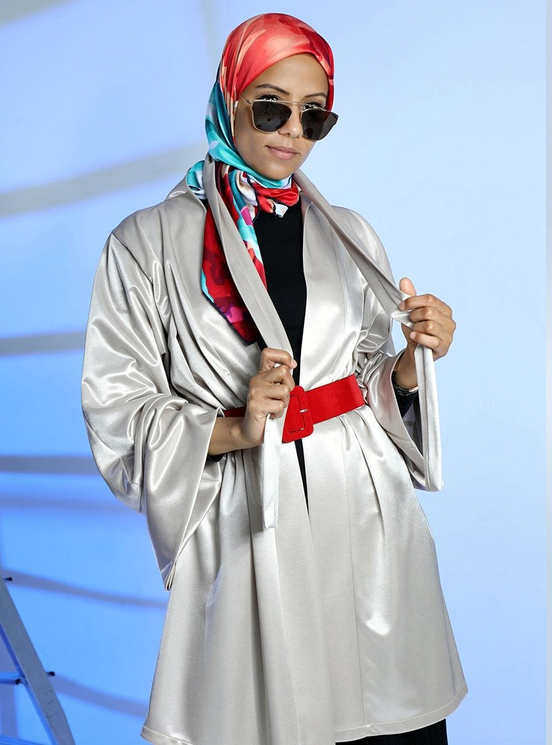 Meryem Acar Bej Kuşaklı Kimono