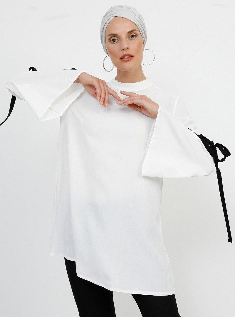 Refka Ekru Kolları Bağcık Detaylı Bluz