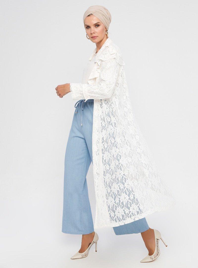Meryem Acar Beyaz Uzun Dantel Ceket