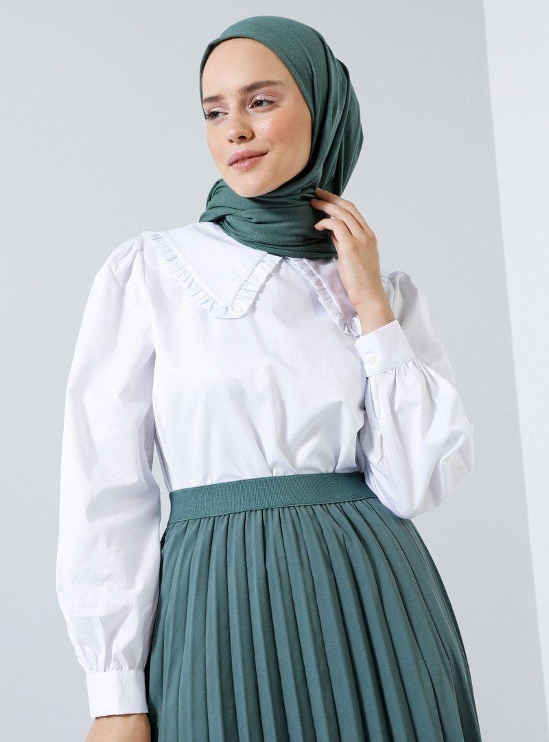 Benin Beyaz Büyük Yakalı Pamuklu Bluz
