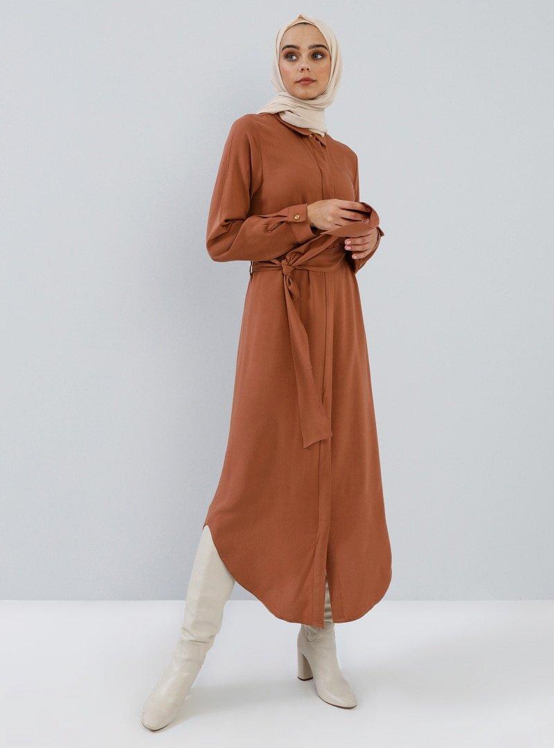 Benin Koyu Tarçın Doğal Kumaşlı Gizli Düğmeli Tunik Elbise