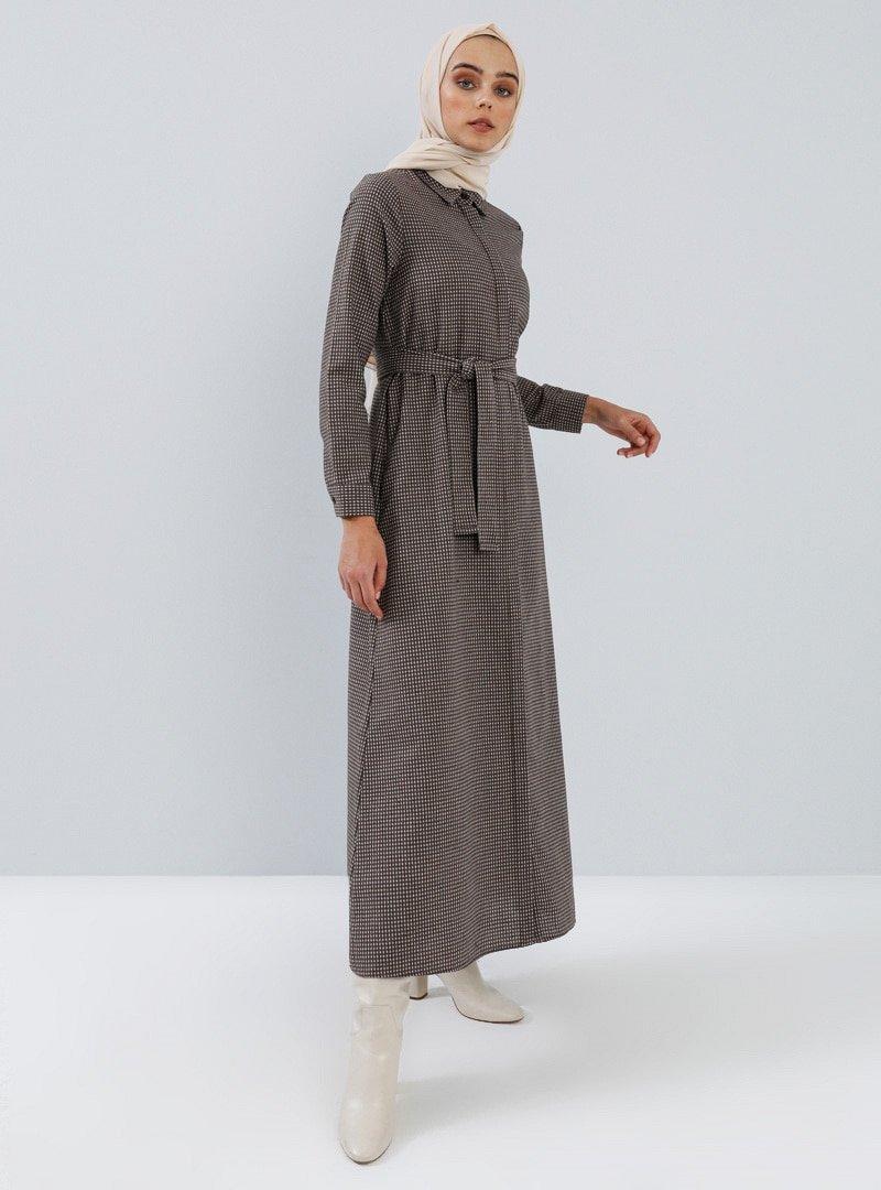 Benin Kahverengi Boydan Gizli Düğmeli Cep Detaylı Elbise
