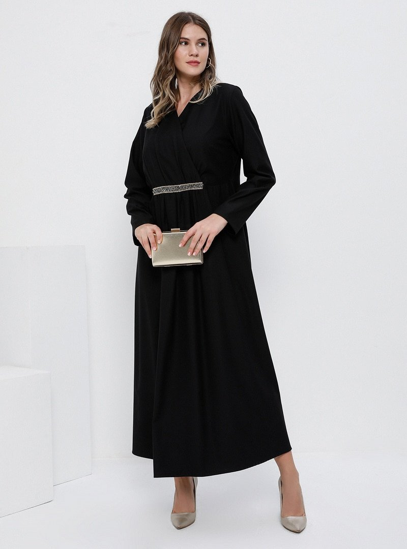 Alia Siyah Beli Taşlı Kruvaze Yaka Elbise