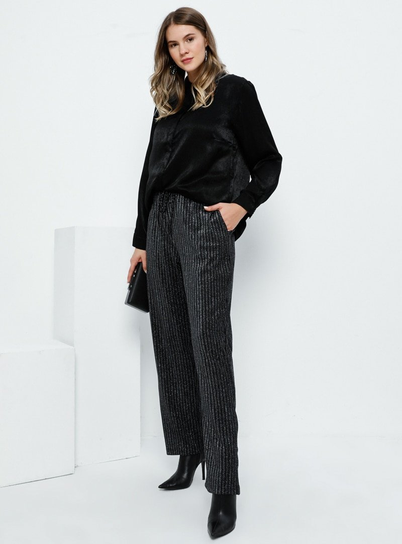 Alia Siyah Cep Detaylı Kendinden Simli Pantolon
