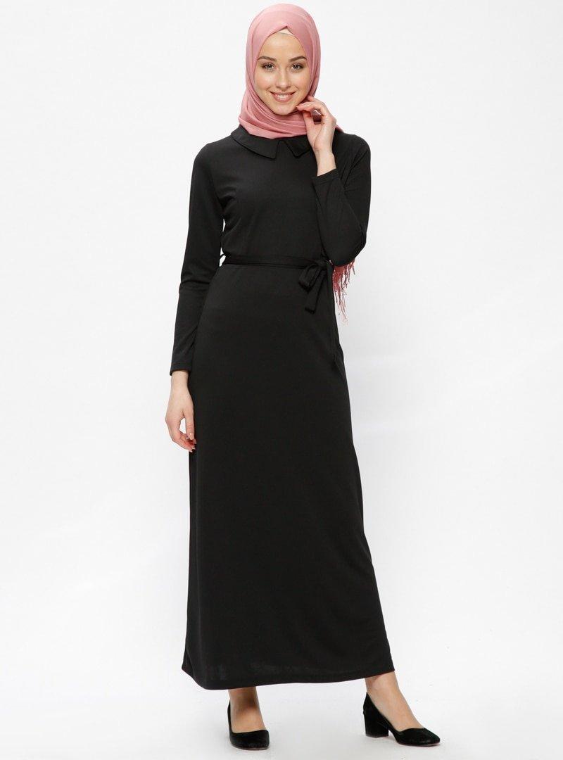 İLMEK TRİKO Siyah Sivri Yakalı Elbise