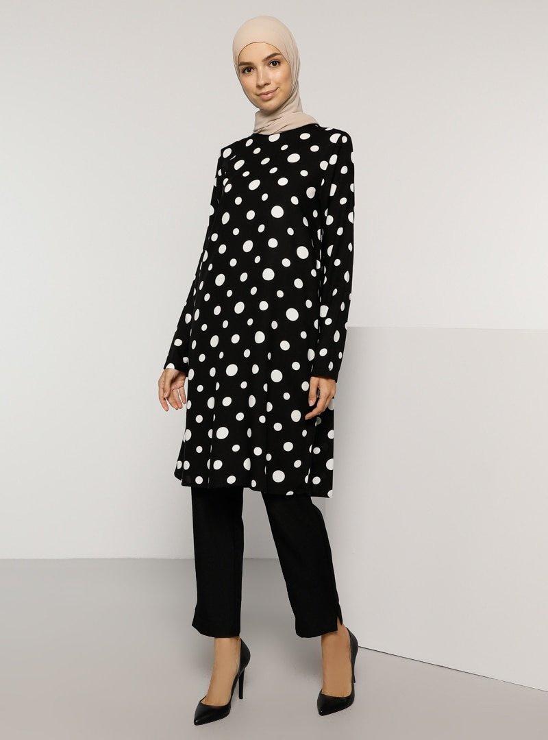 Tavin Siyah Doğal Kumaşlı Puantiye Desenli Tunik