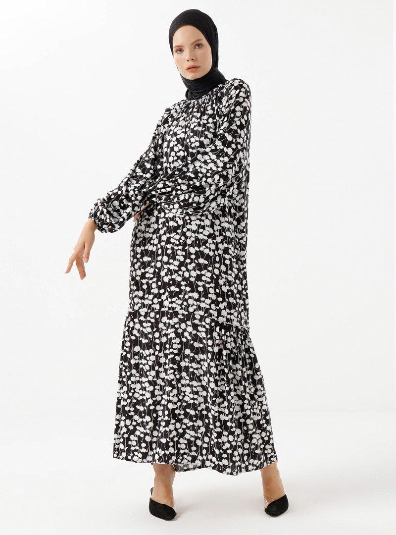 Phull Beyaz Siyah Çiçek Desenli Elbise