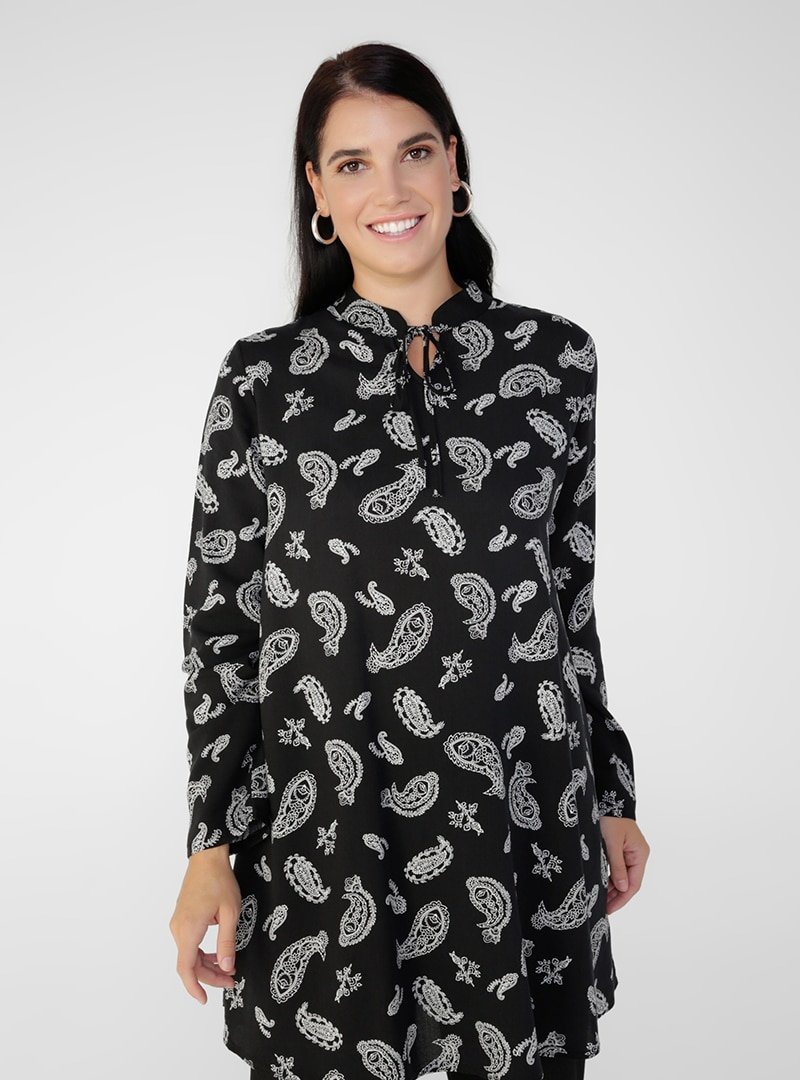 Alia Siyah Beyaz Büyük Beden Doğal Kumaşlı Yakası Bağcıklı Desenli Tunik