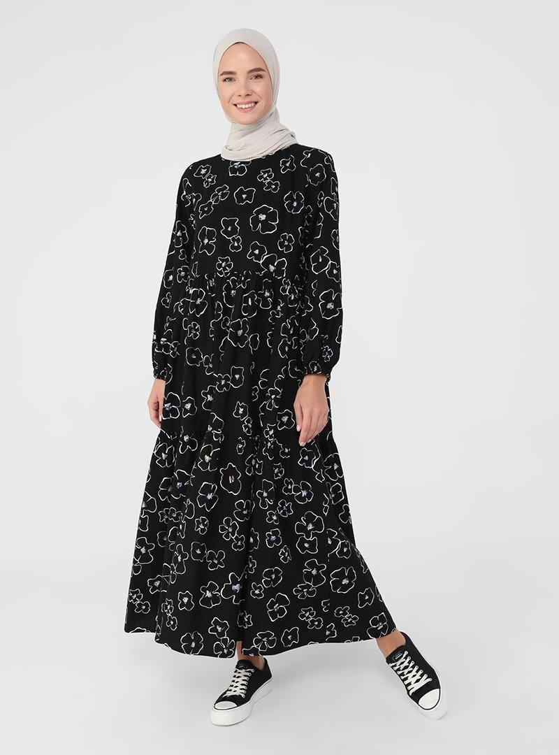 Benin Siyah Doğal Kumaşlı Çiçek Desenli Elbise