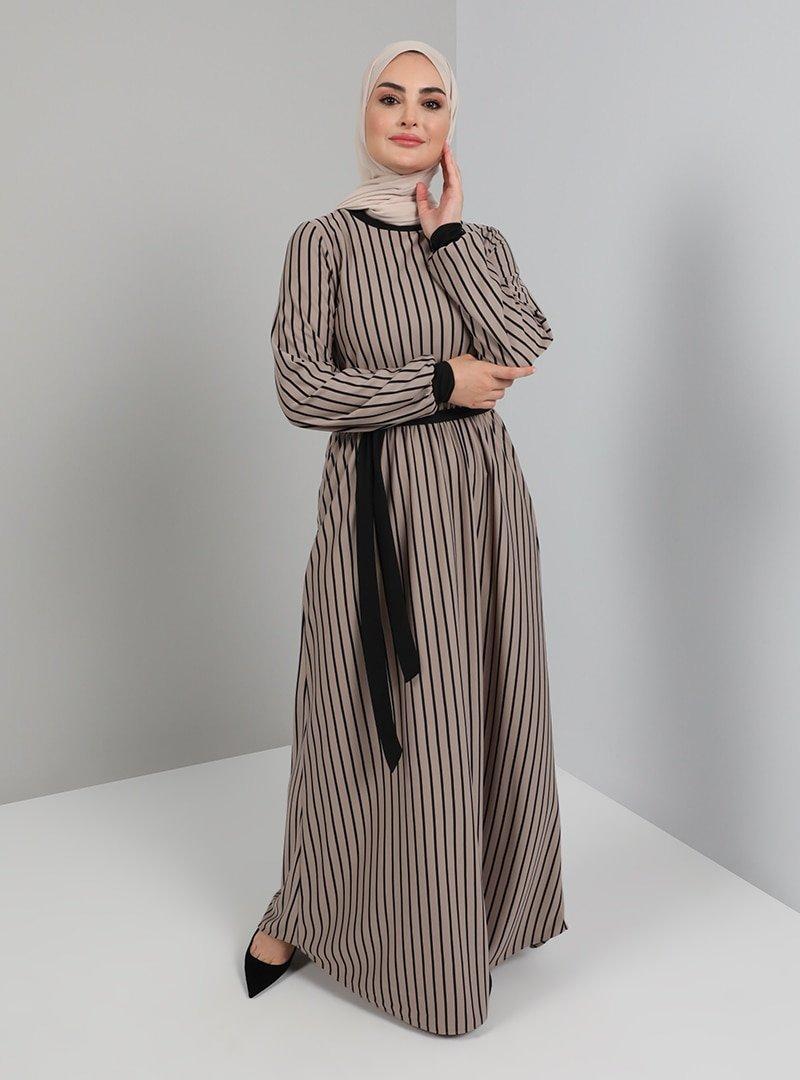 Tavin Vizon Kuşak Detaylı Çizgili Elbise