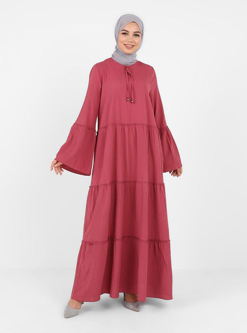 Tavin Koyu Gül Kurusu Yakası Fiyonk Detaylı Katlı Elbise