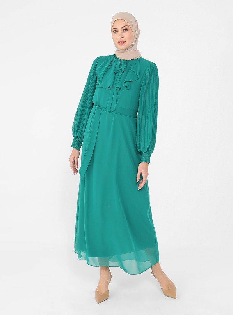 Refka Koyu Yeşil Pilise Ve Bağlama Detaylı Şifon Şık Elbise