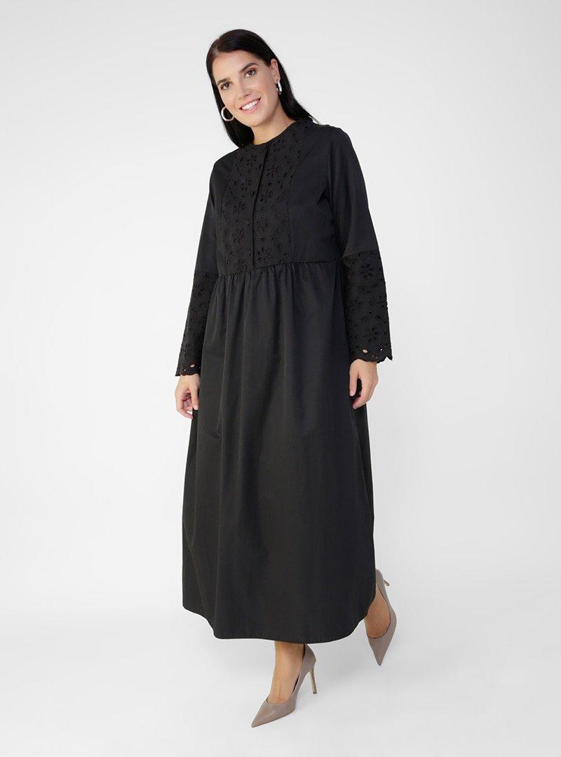 Alia Siyah Büyük Beden Nakış Detaylı Elbise