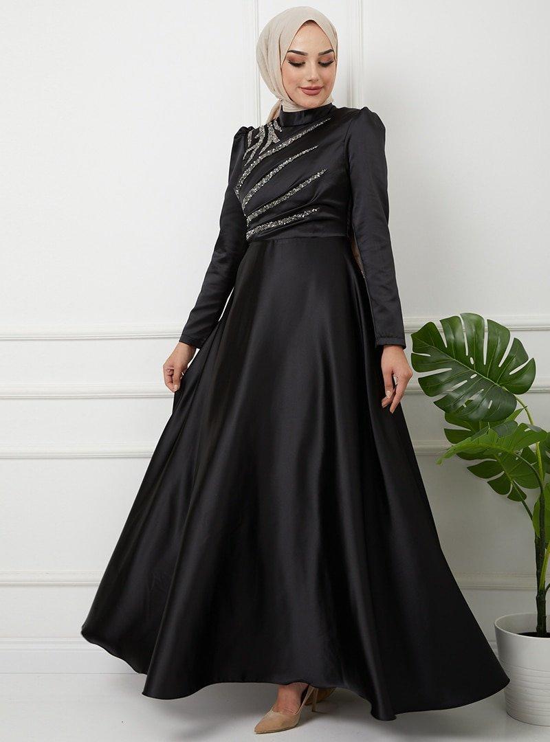 Olcay Siyah Önü Volan Ve Taş Detaylı Saten Abiye Elbise