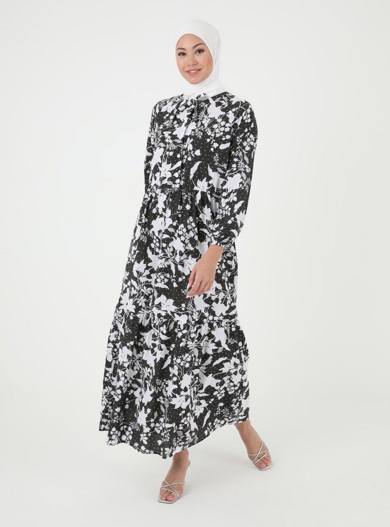 İLMEK TRİKO Siyah Desenli Düğme Detaylı Elbise