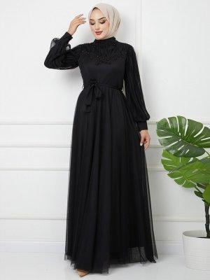 Olcay Siyah Robası Ve Kolları Pilise Detaylı Önü İşlemeli Abiye Elbise