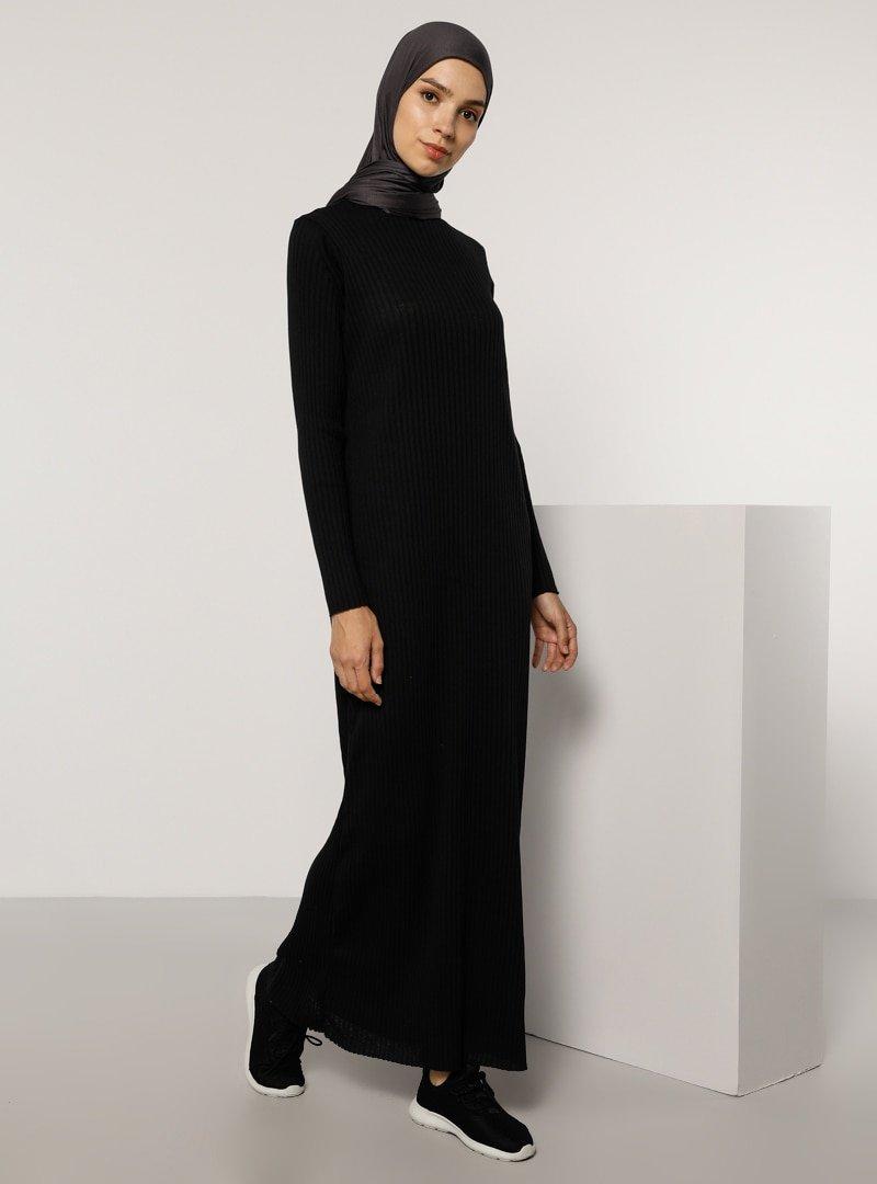Tavin Siyah Doğal Ve Esnek Kumaş Elbise