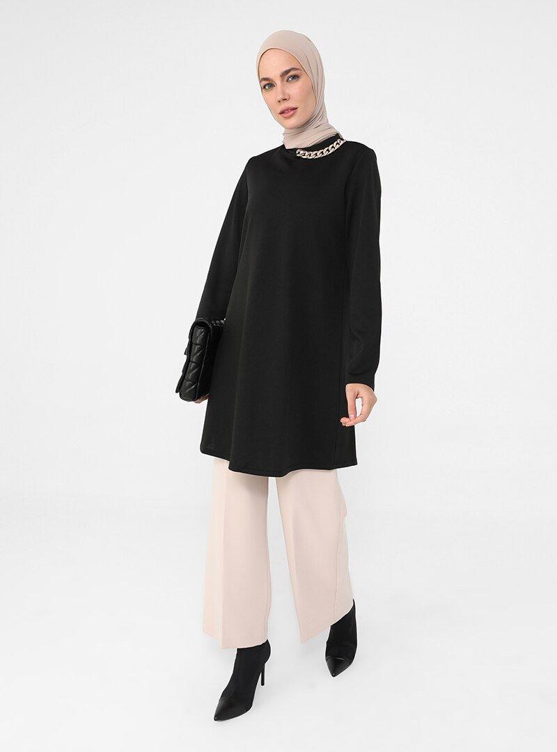 Refka Siyah Yakası Zincir Detaylı Scuba Sweatshirt