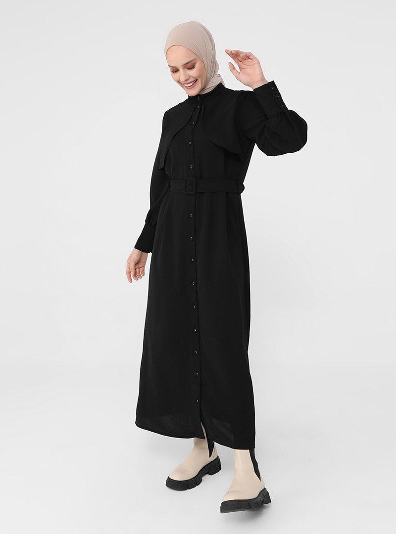 Refka Siyah Rüzgarlık Detaylı Kemerli Elbise