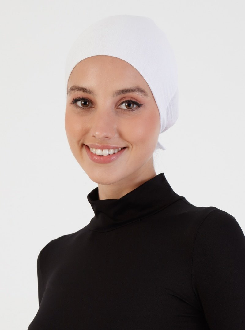 Miray Beyaz Dikişsiz Penye Bone