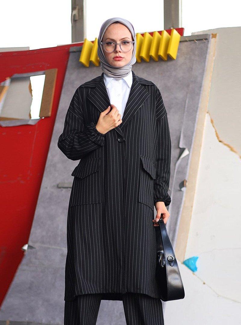 Ceylan Otantik Siyah Çizgili Uzun Ceket