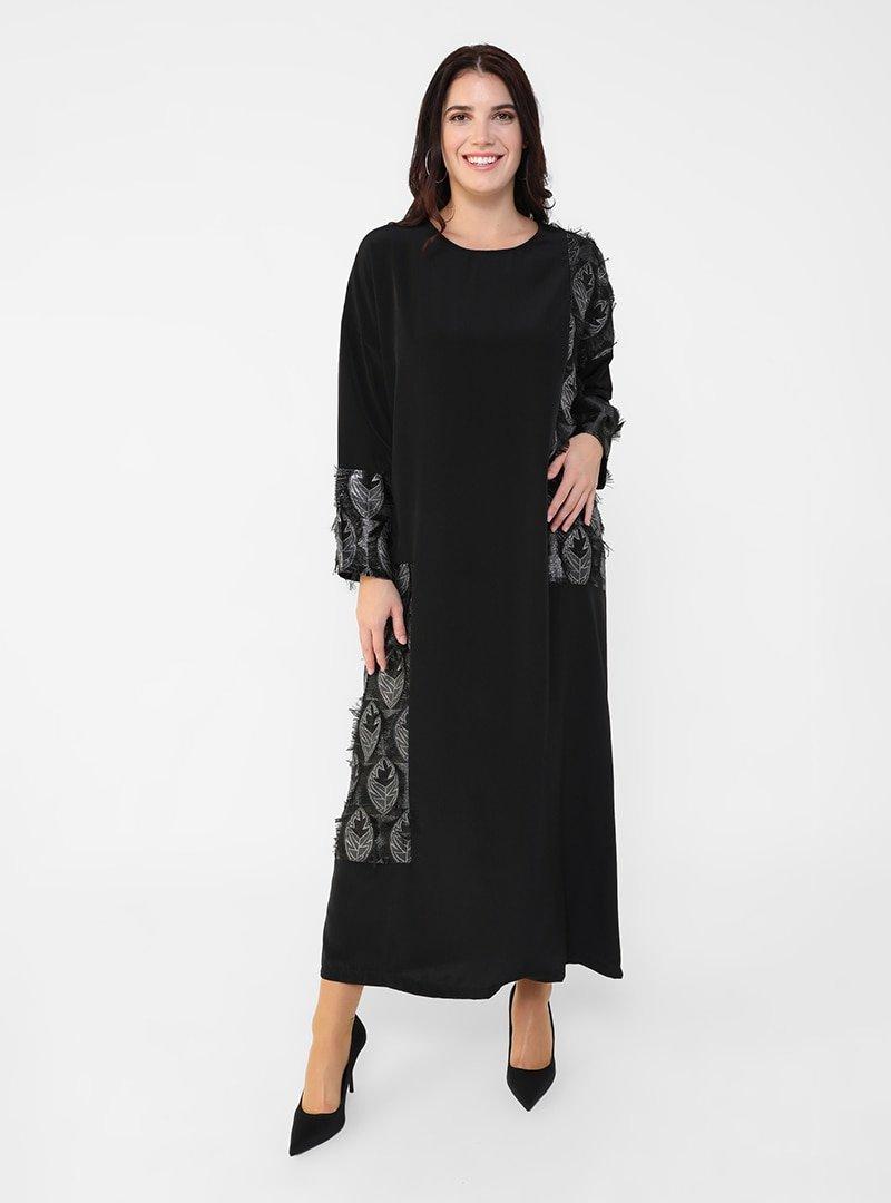 Alia Siyah Büyük Beden Püskül Detaylı Jakarlı Elbise