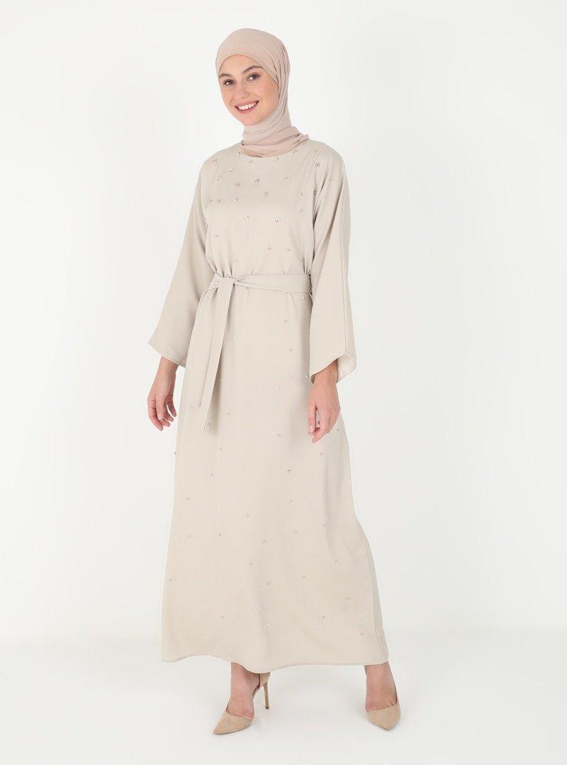 Tuncay Bej İnci Aksesuar Detaylı Elbise