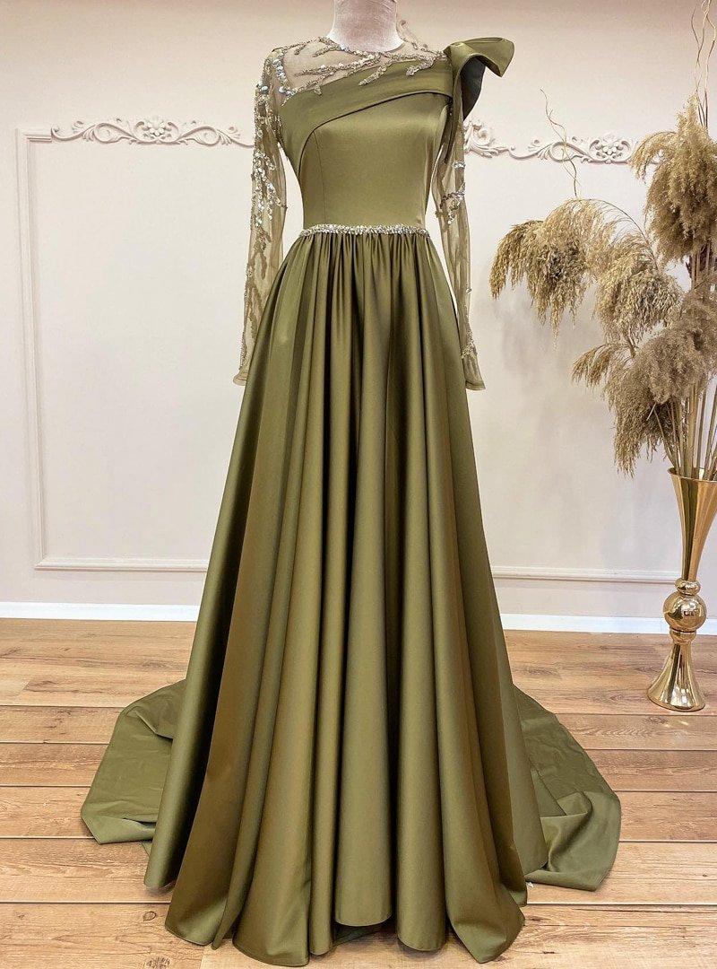 Gamze Özkul Yağ Yeşili Mahra Transparan Abiye Elbise