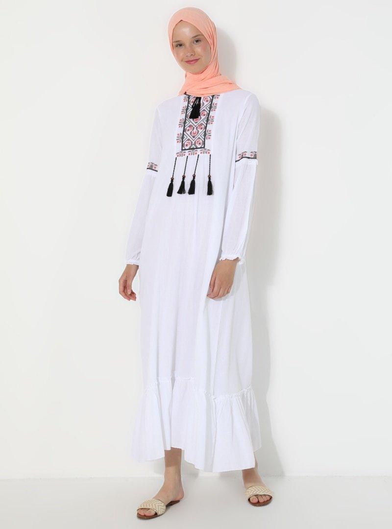 Elis Şile Bezi Beyaz Şile Bezi Nakış Detaylı Elbise