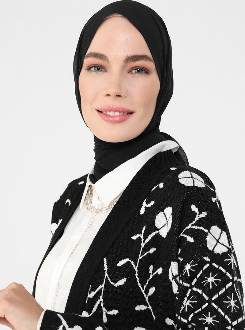 Refka Siyah Beyaz Desenli Uzun Triko Hırka
